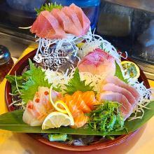 Sashimi Sampler Albacore Tuna Red Snapper Yellowtail Salmon Best in Orange County OC Sushi World